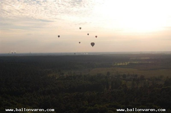 PH-DIV-Ballonfeest-in-Swalmen-Boukoul-gelandt-in-Duitsland-