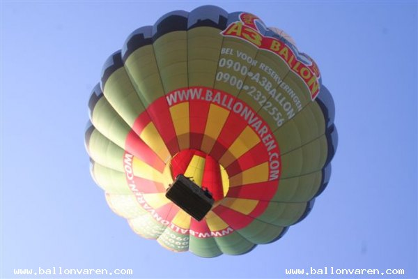 PH-HBA-Romantische-ballonvaart-Weerselo-luchtballon-love
